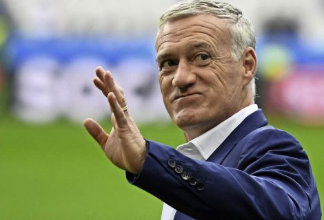 Дешан остави Марсиал и Жиняк извън състава за мача с Швеция